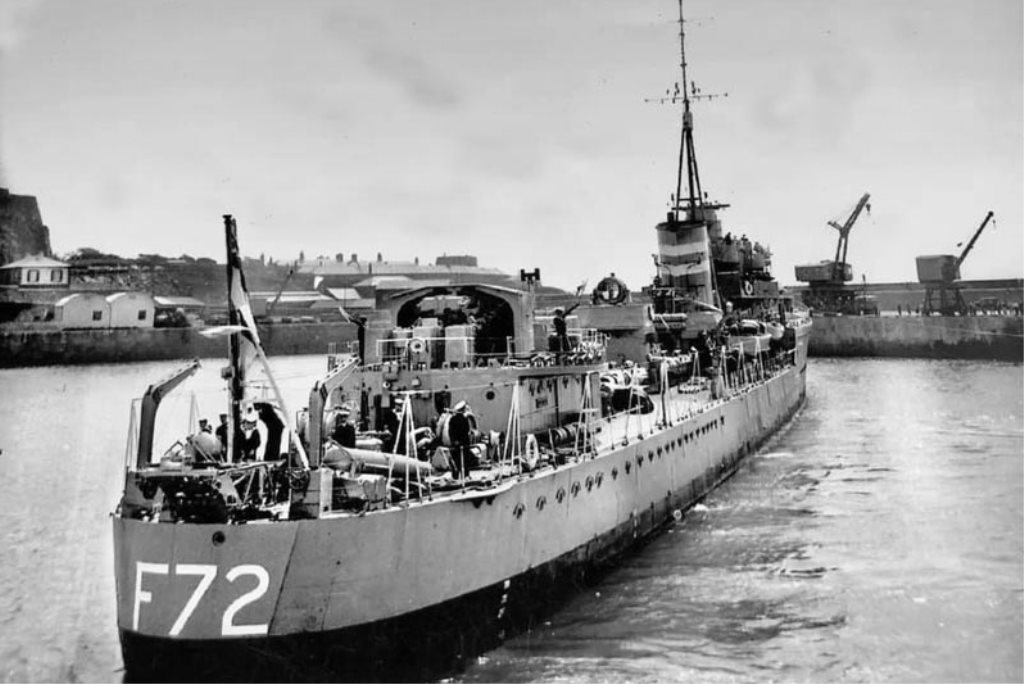 HMS Jersey entering harbour to swing into Victoria Pier
