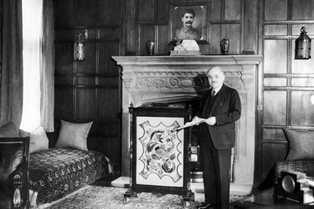 Soviet Embassy London. Ambassador Maisky with portrait of Stalin