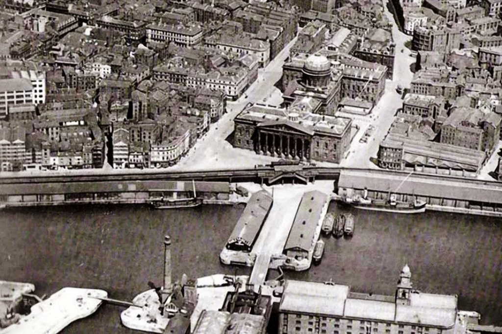 Liverpool Docks - Customs House before Luftwaffe called
