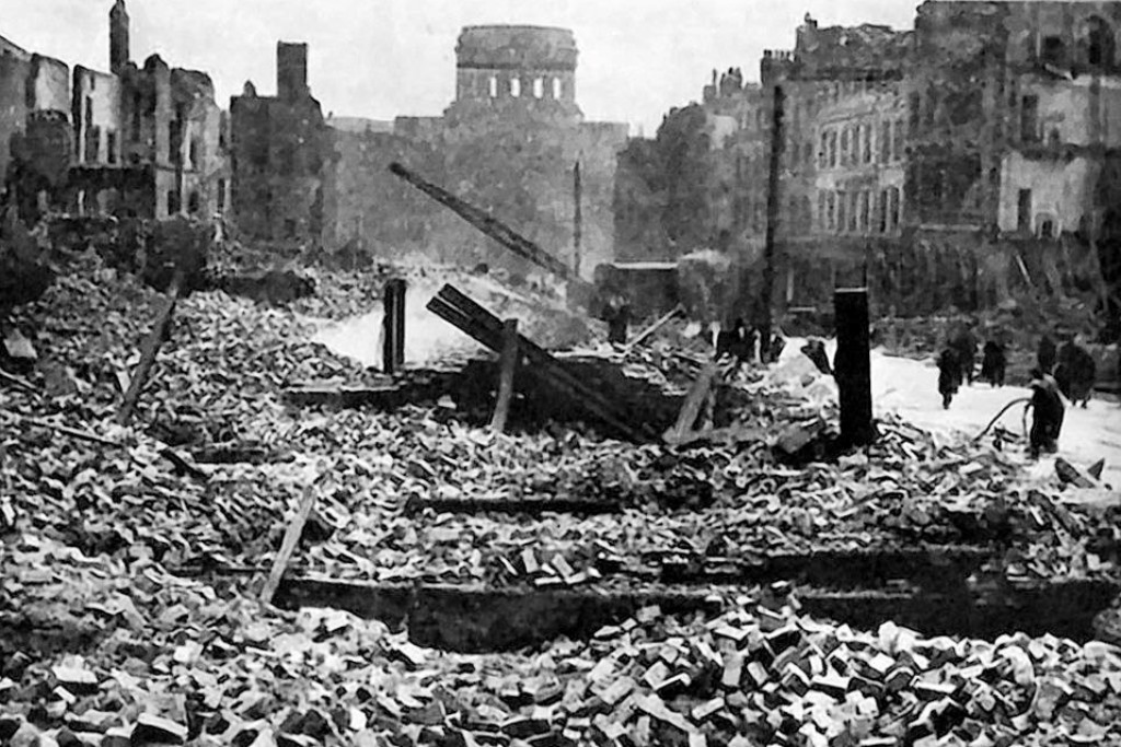 Liverpool Docks Customs House after Luftwaffe bombing 1941